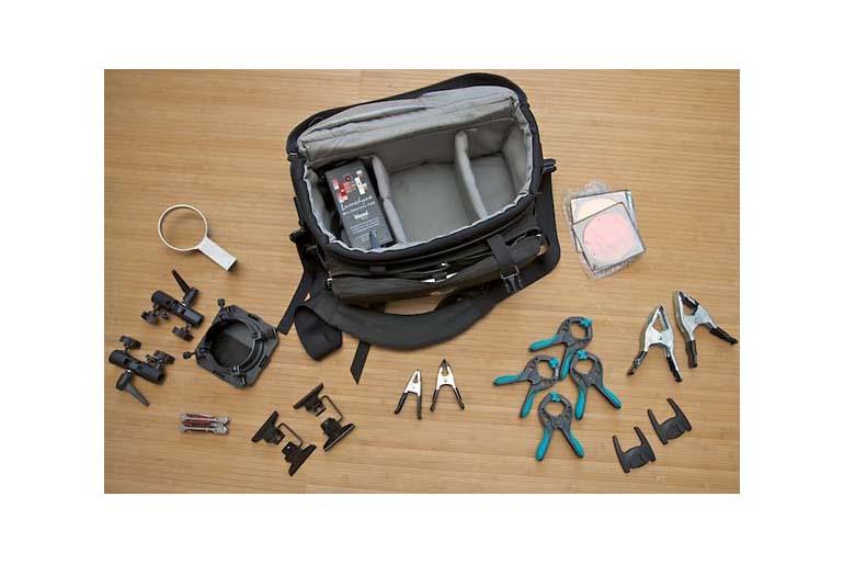 Equipment für On-Location-Fotografie: Blitzkoffer und Werkzeugkiste