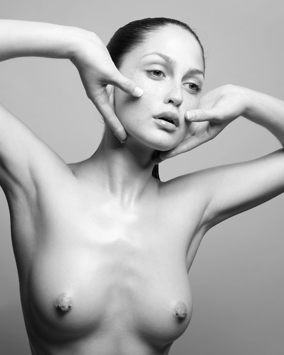 Sylvie Blum – Naked Beauty